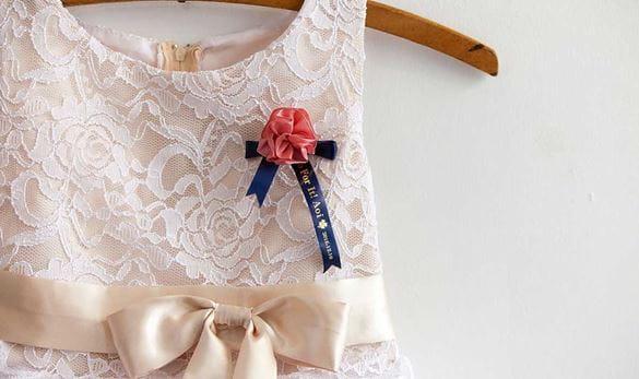 P-touch Cube gepersonaliseerde broches voor de bruidsmeisjes