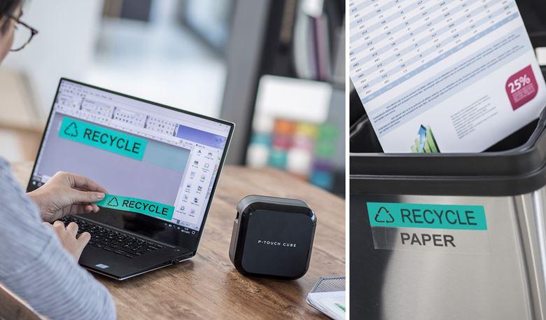 """Az irodai dolgozó tervezi az """"Újrahasznosítás"""" címkét a számítógépén, és kinyomtatja egy Brother P-touch címkenyomtatóval. A címkét ezután az újrahasznosító tartályhoz ragasztva mutatják"""