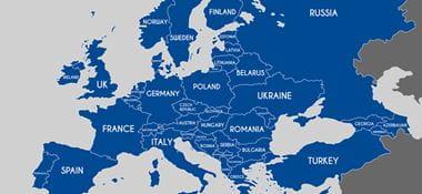mapa Európy modrej farby s bielym pozadím