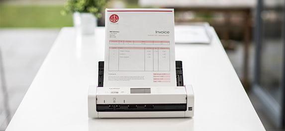Kompaktní skener dokumentů Brother ADS-1700W skenuje dokument