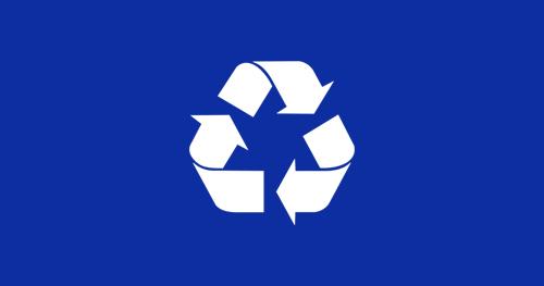Bijela ikona recikliranja na plavoj pozadini