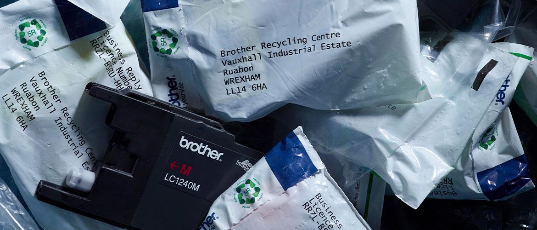 Alte Tintenpatronen werden zum Recycling gesammelt