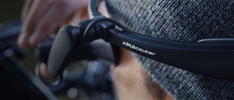 Kameramann während einer Fimaufnahme, AiRScouter auf dem Kopf tragend