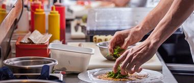 Soluciones de etiquetado para la caducidad de alimentos Brother