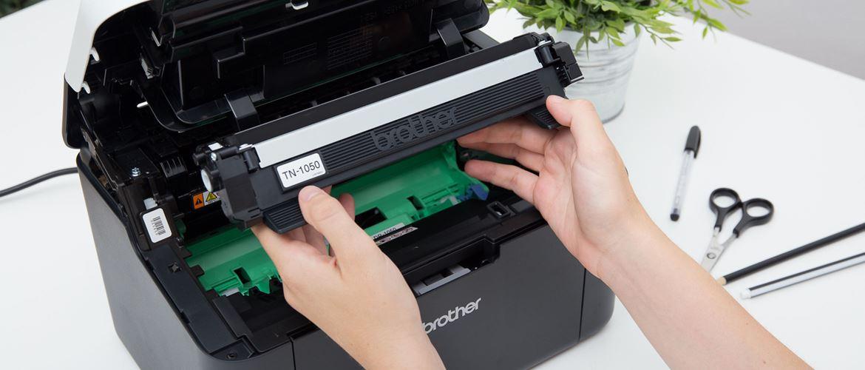 Cambio de tóner en impresora Brother