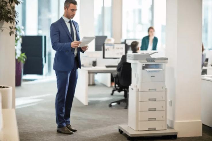 Impresora láser monocromo con mesa pedestal Brother
