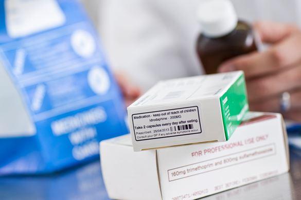 Cutie de medicamente cu etichetă