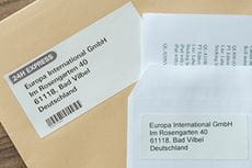 Brother етикет с адрес залепен на пощенски плик