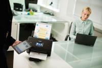 Brother ADS-3600W skener dokumenata s tabletom i NFC povezivanjem