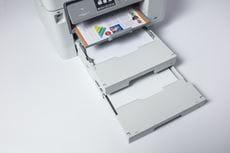 Detailní pohled na zásobníky papíru Inkoustové multifunkce MFC-J5945DW