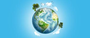 Une illustration de la terre en forme de globe entouré de nuages, d'arbres et de ciel bleu.