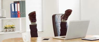 Les postures à adopter au travail pour lutter contre les TMS