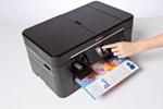 Utilisez l'écran tactile intuitif de l'imprimante multifonction MFC-J5320DW de Brother