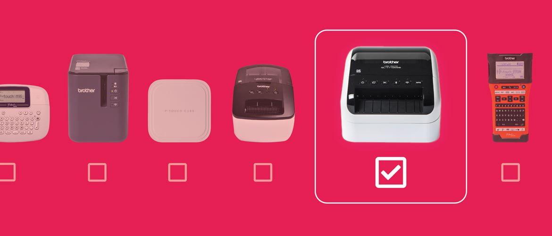 Ligne d'imprimantes d'étiquettes et étiqueteuse sur un fond rose