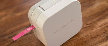 P-touch CUBE  stampa etichetta rosa
