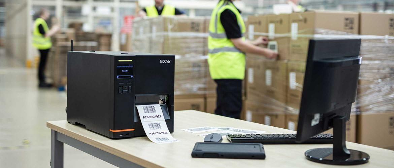 Stampante Brother TJ stampa etichette barcode in magazzino