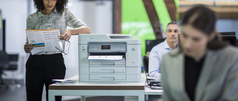 Stampante multifunzione Brother A3 all'intero di un ufficio