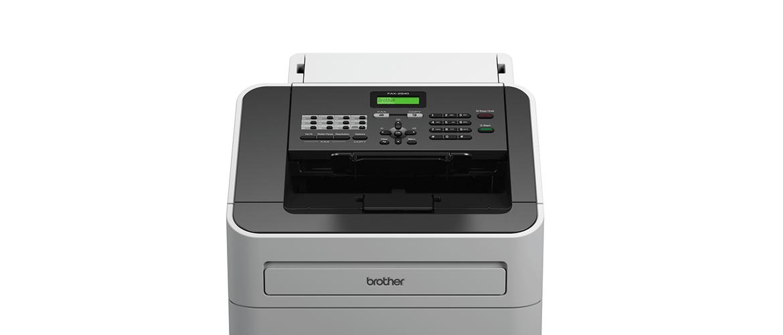 Fax Brother FAX-2940 su sfondo bianco
