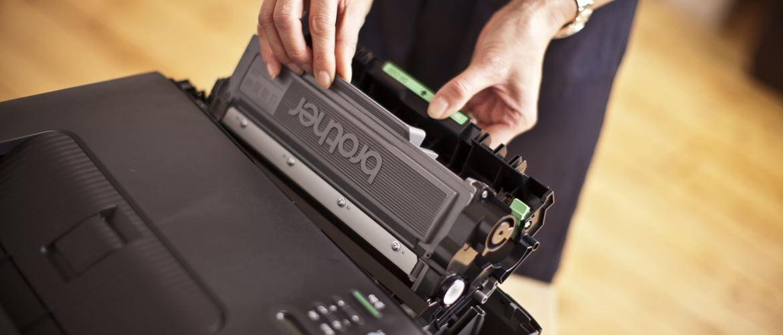 Toner originale estratto dalla stapante laser Brother HL-L2340DW