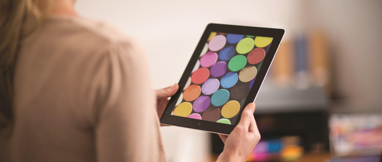 Immagini a colori stampata da tablet con stampante multifunzione a getto di inchiostro Brother