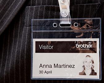 Badge visitatore stampato su etichetta Brother DK