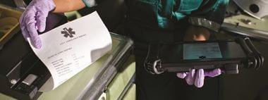 Foglio medico stampato su ambulanza con stampante portatile Brother PJ