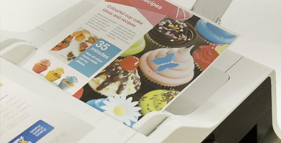 Documento di stampa a colori stampato con stampante Brother