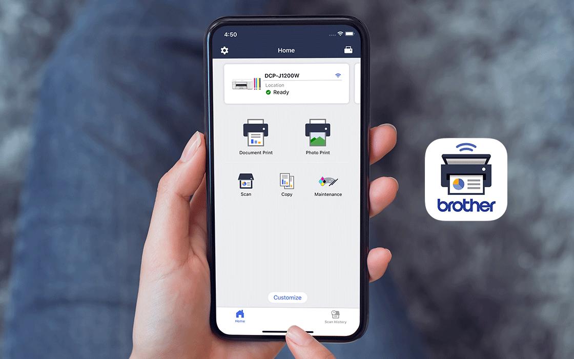 Mano con smartphone e app Brother mobile connect