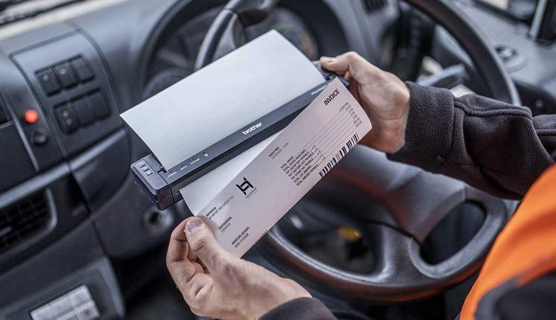 conducente stampa sul veicolo con stampante portatile Brother PJ