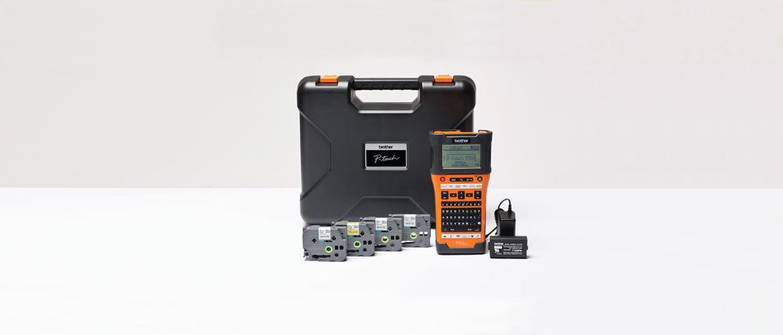 Brother PT-E550WSP-tarratulostin sähköasentajille, mukana 4 tarranauhaa ja laukku