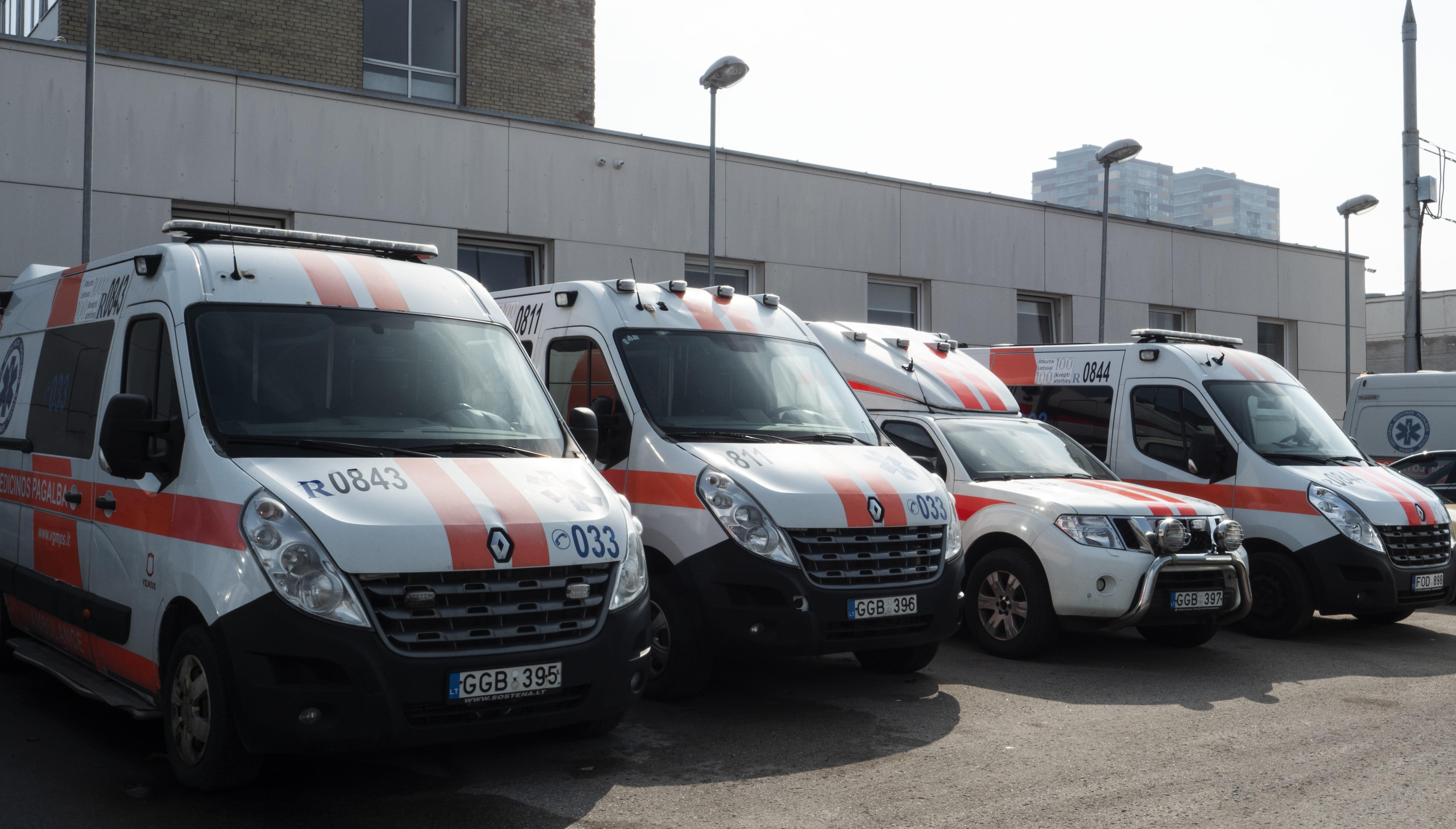 Ambulanser fra EMS akuttmedisinske legevakt i Litauen