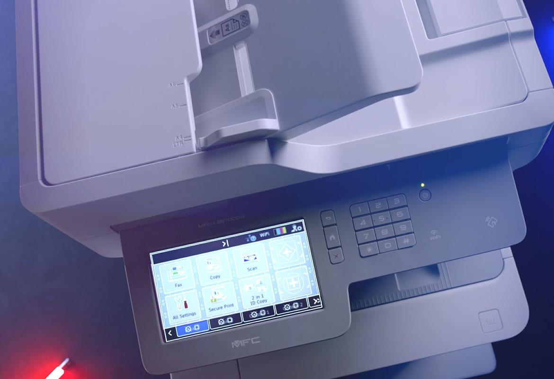 Brother MFC-L9570CDW profesjonell A4 laser multifunksjonsskriver med ikoner på berøringsskjermen