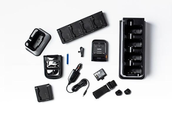 Brother mobil skriver i RJ2-serien med et utvalg av tilbehør på hvit bakgrunn