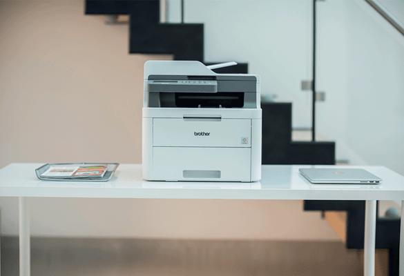 Brother laser allt-i-ett skrivare i kontorsmiljö