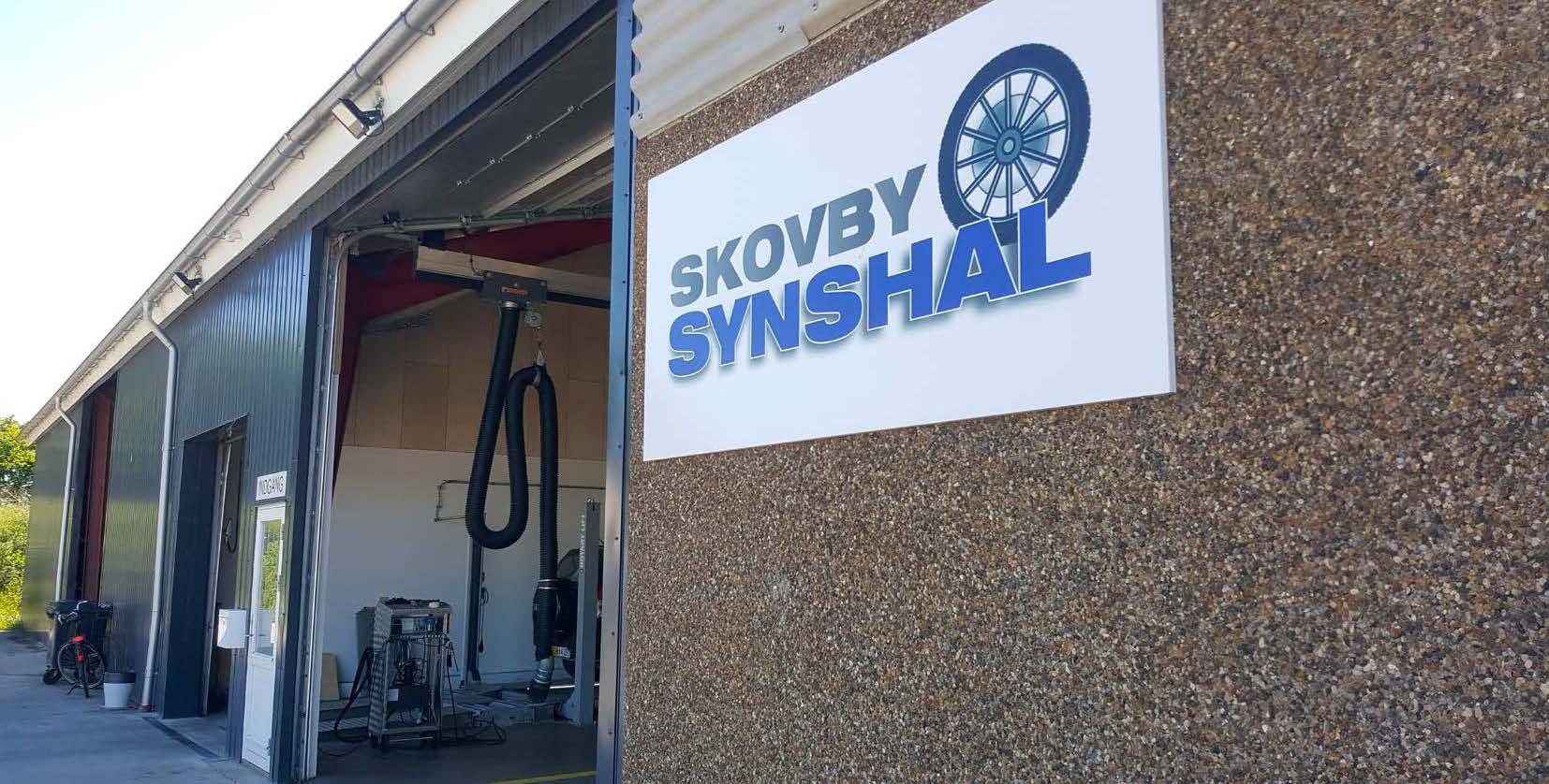 Inngangen til Skovby Synshal for kjøretøykontroll