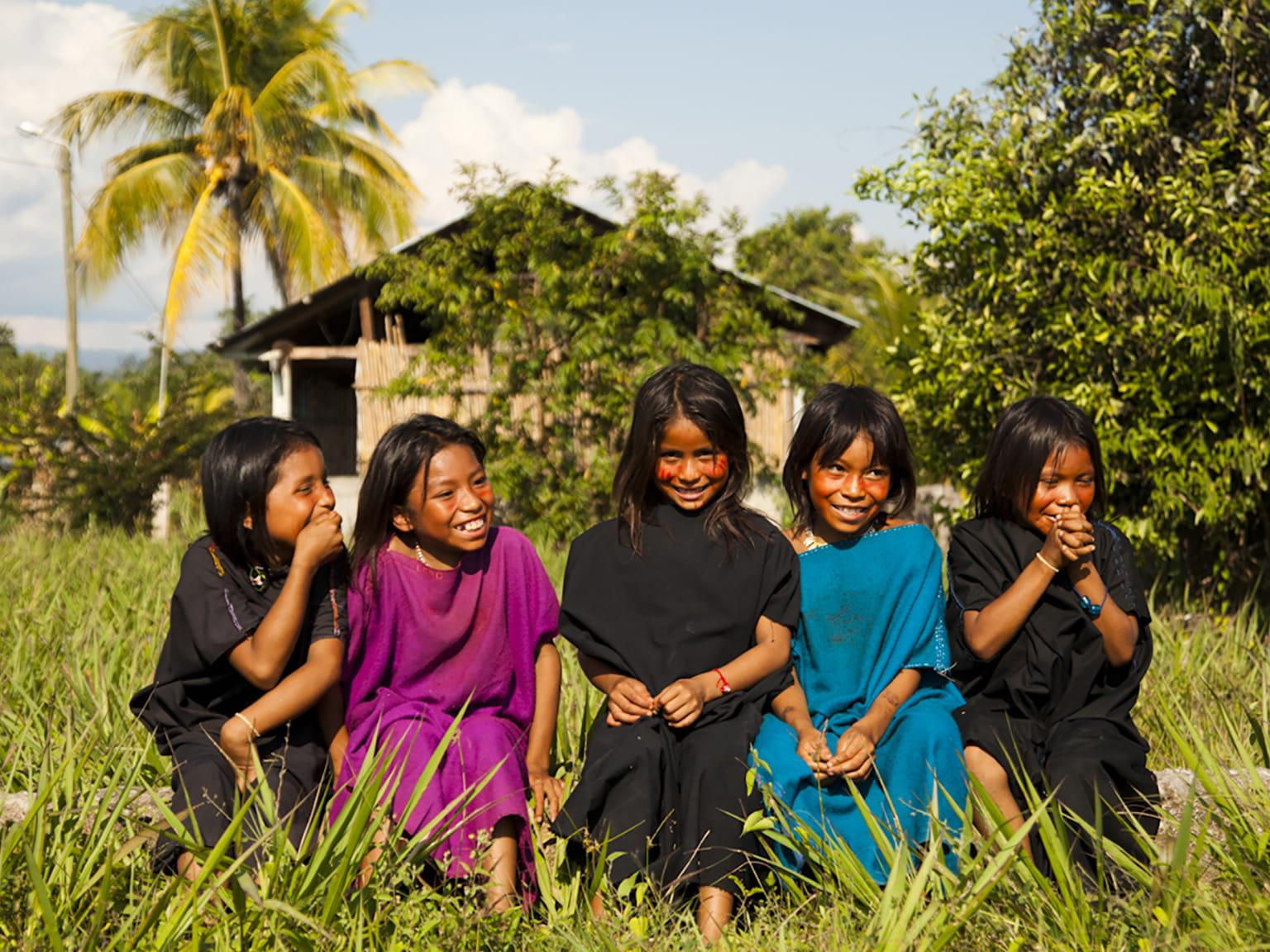 Sademetsässä asuvia lapsia