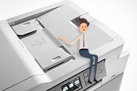 MFCJ1300DW:n automaattinen dokumentinsyöttölaite säästää aikaasi