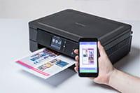 Brother DCPJ772DW printer og mobiltelefon