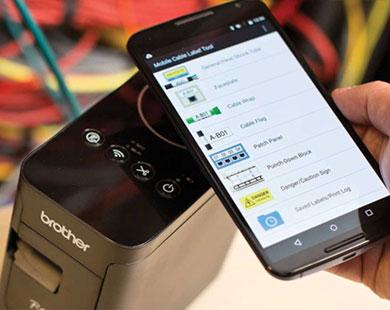 Smarttelefon viser maler i Brother Cable Label Tool app-en
