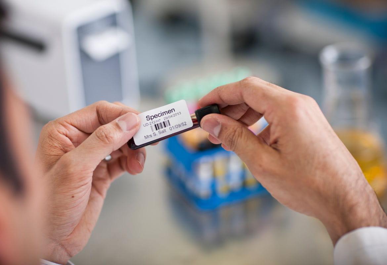 Etiquetas Brother para identificação correta em laboratórios