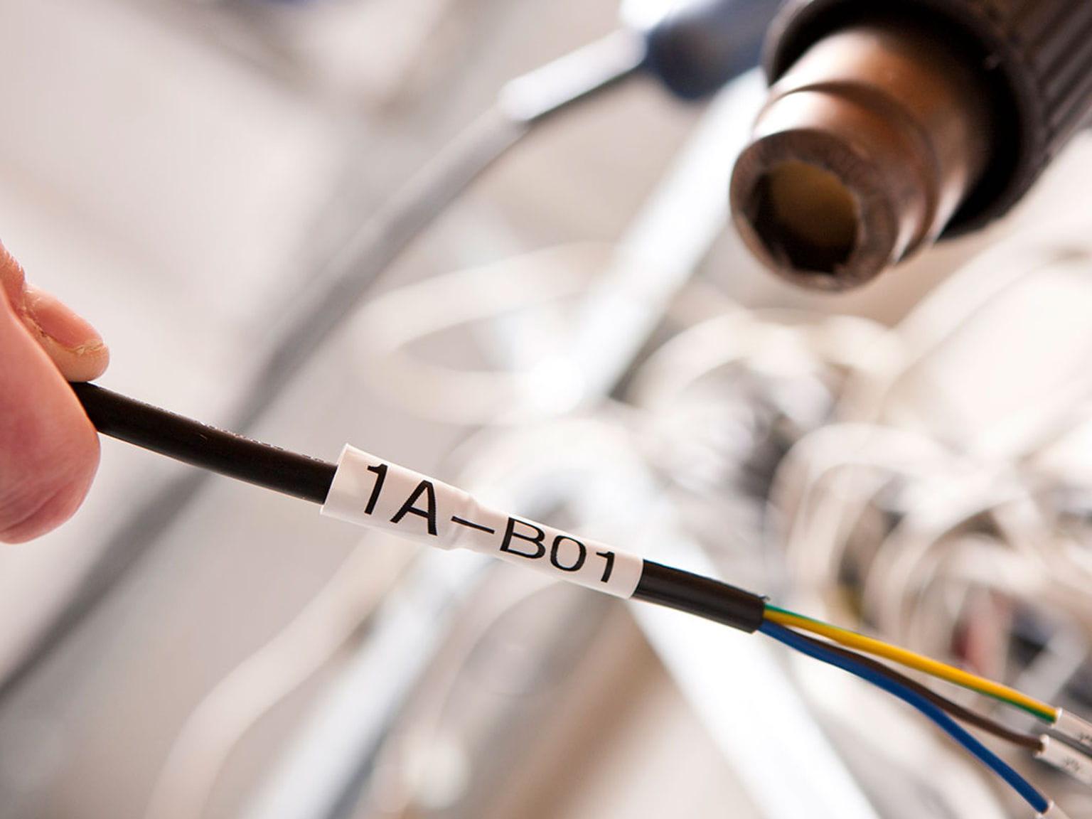 Etiquetas para cabos