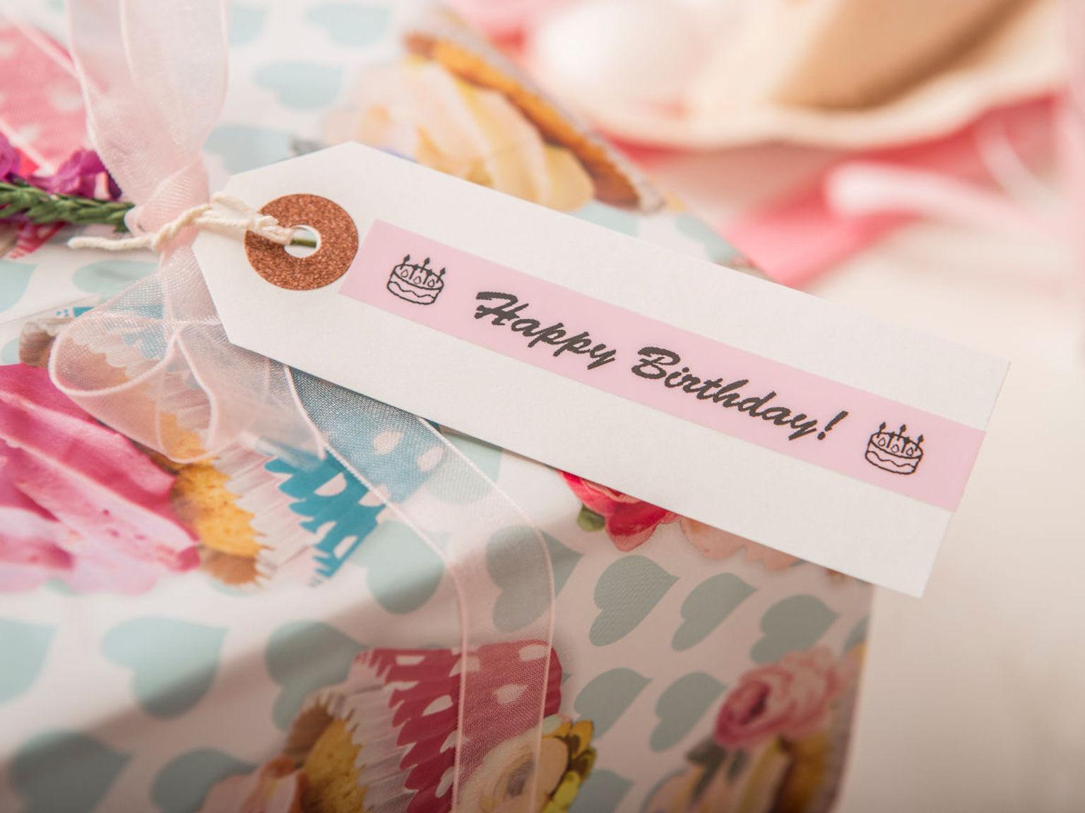 Etiqueta happy birthday