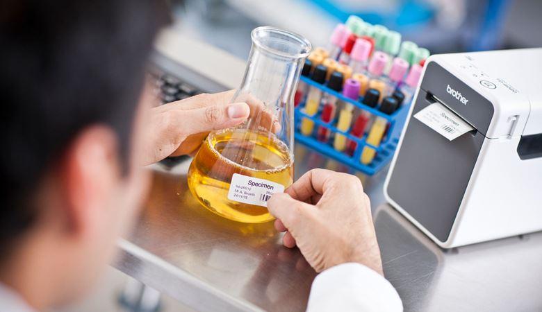 Etiqueta laboratórios