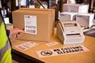 Caixas embalagem com etiquetas