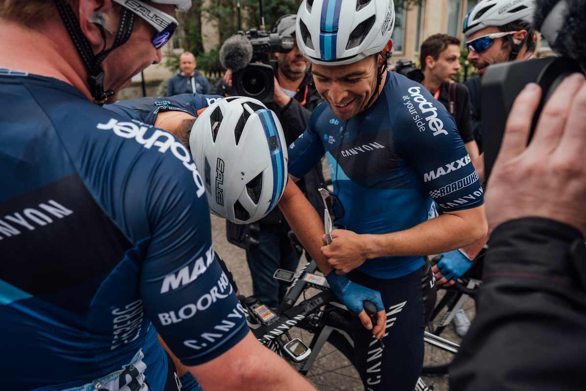 Harry Tandield with two Canyon Eisberg team mates