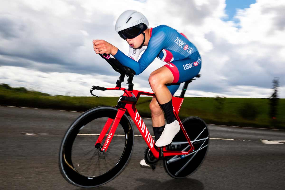 Harry Tanfield on a Canyon Eisberg branded bike
