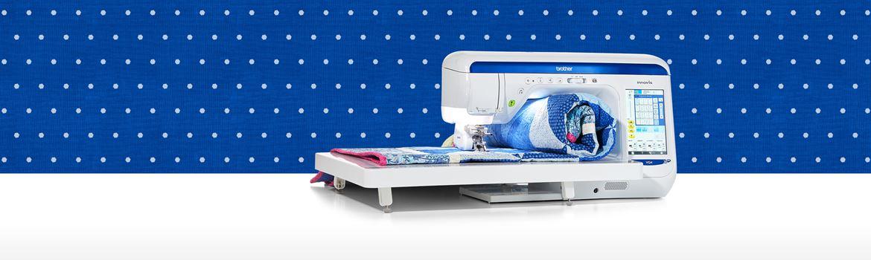 Macchina da cucire Brother VQ4 su sfondo blu con puntini bianchi