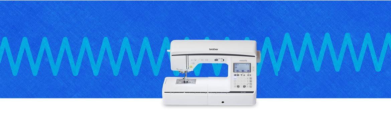 Швейная машина на синем фоне с узором
