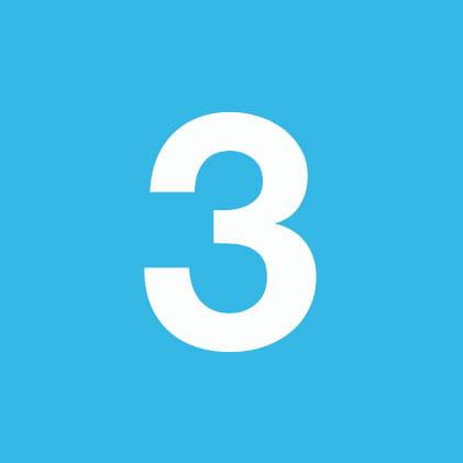 Number 3 sur fond bleu ciel