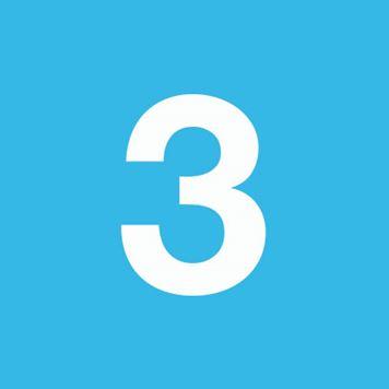 Zahl 3 auf himmelblauem Hintergrund